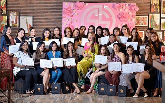 Inside article4-Samaira Sandhu-Makeup Artist